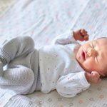 Zaburzenia napięcia mięśniowego u niemowląt – jak je rozpoznać?