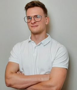 Dobry fizjoterapeuta w Poznaniu Jakub Parzych